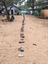 Silvie Marie Wipfler's Slippers, eine halbe Stunde sm Strand, 120 Slippers #exkursionsrilankamkfoto_2019 #oceanplastics #mermaidtears